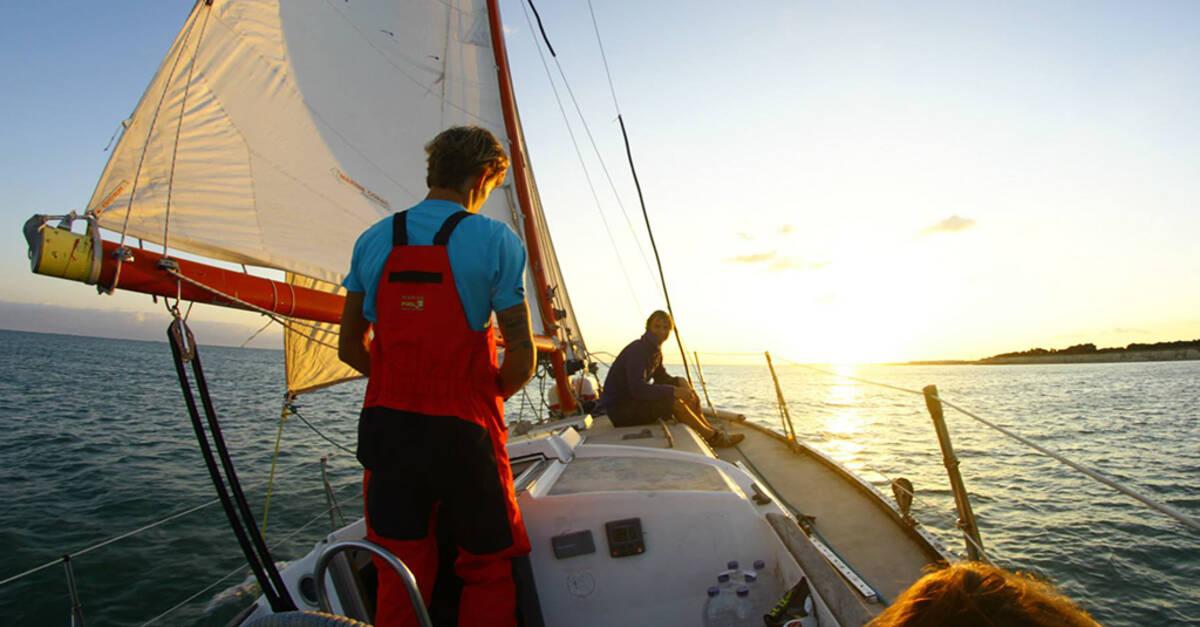 Promenades en mer et p che office de tourisme de la - Office tourisme cavalaire sur mer ...